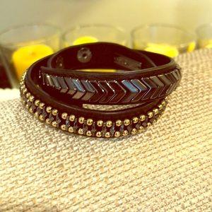 Wrap bracelet, beautiful black & gold detail